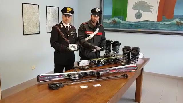 Pavullo, rubano attrezzature da sci: presi dai carabinieri