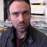 Milano, gelataia si rifiuta di servire Salvini. Il datore di lavoro: ''Se n'è andata via di sua volontà''