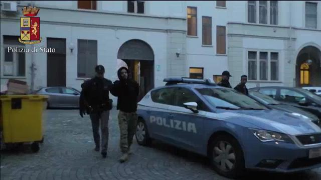 Messina: trasportava 4 sacchi contenenti 57 kg di marijuana