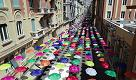 Genova, gli ombrelli che colorano il centro visti dal drone