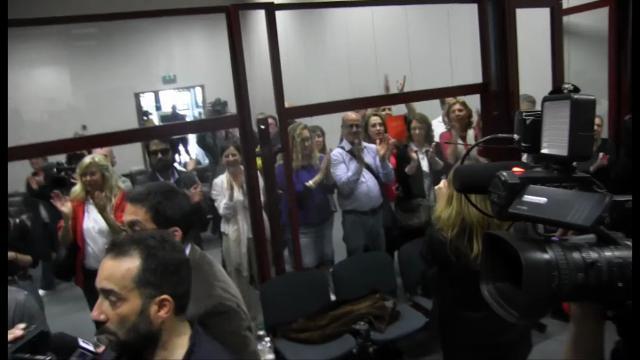 """Trattativa Stato-mafia, applausi ai pm. Teresi si commuove: """"Sentenza dedicata a Falcone e Borsellino"""""""
