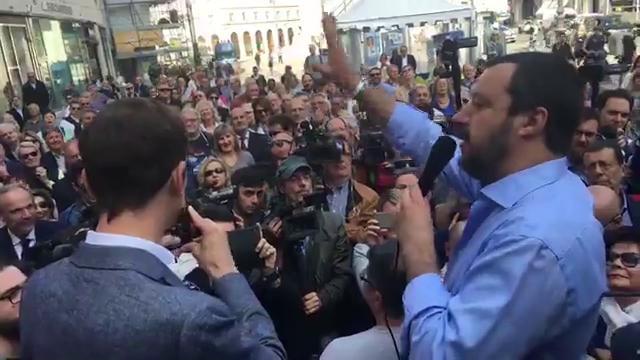 """Regionali, Salvini a Trieste parla di """"friulani"""" e i suoi elettori lo correggono: """"Siamo giuliani"""""""