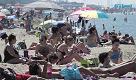 Prove d'estate, da Marina a Calambrone è pienone in spiaggia
