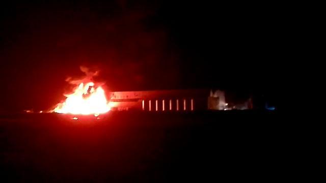 San Donà di Piave: il fuoco divora l'azienda di rifiuti speciali