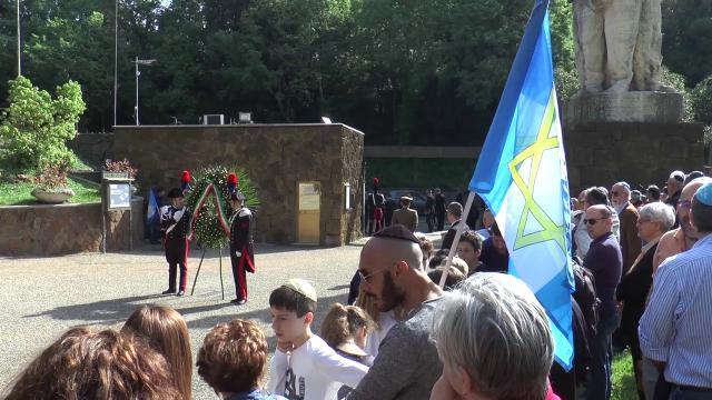"""25 aprile, la cerimonia alle Fosse Ardeatine: """"Peccato non essere uniti"""""""