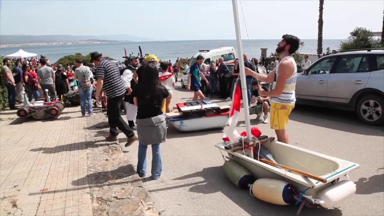 Vasche Da Bagno D Epoca : Vasche da bagno per il mare di fertilia: i preparativi per la gara