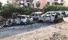Roma, cassonetti e auto divorate dalle fiamme: rogo nella notte a Monteverde