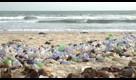 Ue contro cannucce, cotton fioc e palloncini: i dieci prodotti di plastica al bando