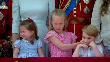 Royal Family, Savannah la bambina che mima l'inno e zittisce il principe George