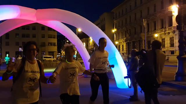 Trieste, festa di sera con l'Electric Run