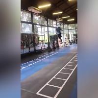 Russia 2018, Gimenez e l'allenamento per i colpi di testa: il salto dell'uruguaiano è impressionante