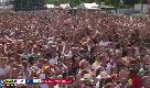 La festa dei messicani a Berlino tra i tedeschi impietriti davanti al maxi schermo
