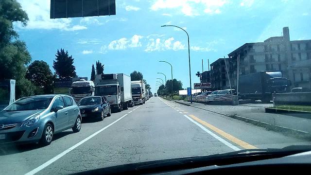 Iniziano i lavori: mattinata con code di tre chilometri sulla Pontebbana