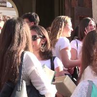 Maturità 2018, gli studenti del Visconti di Roma tra ansie, timori e cornetti portafortuna