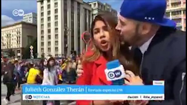 """Russia 2018, la reporter molestata in diretta si sfoga sui social: """"C'è un limite all'affetto"""""""