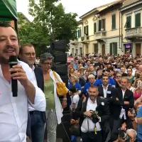 Sanità, Salvini: ''Alcuni vaccini salvano la vita, ma dieci sono troppi''