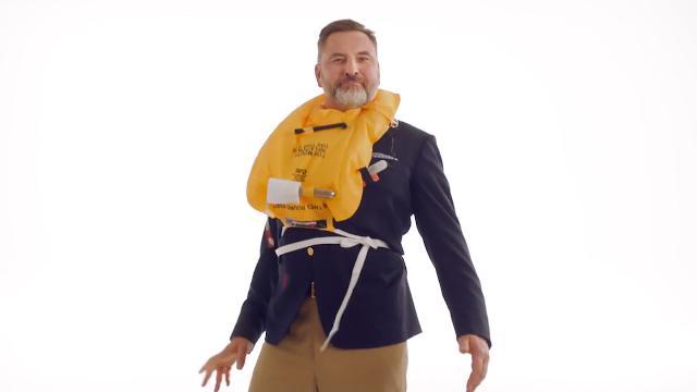 Le istruzioni di sicurezza della Brtish Airways sono un cult che conquista anche gli Oscar