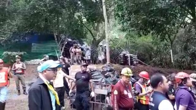 Thailandia, il maltempo ritarda le operazioni di salvataggio dei ragazzini nella grotta