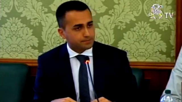 """Alitalia, Di Maio: """"Puniremo manager che hanno usato l'azienda come un bancomat"""""""