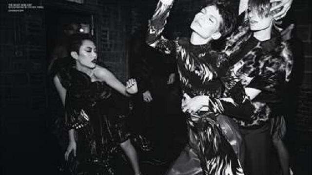 Dentro la notte passionale e misteriosa di Givenchy: la nuova campagna di Steven Meisel