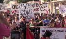 """Ventimiglia, in marcia contro le frontiere chiuse: in 7mila con uno slogan: """"L'Italia non è Salvini"""""""