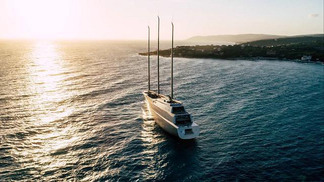 La crociera in Toscana del mega yacht da 425 milioni di dollari