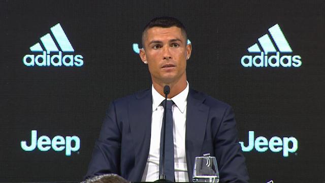 """Ronaldo a Torino: """"Penso al presente, mi piacciono le sfide. Voglio lasciare un segno nella Juve"""""""