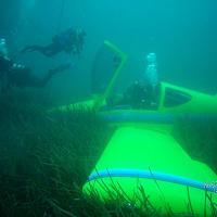 Le immagini dell'aereo inabissato davanti alla costa di Scarlino