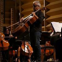 Parma, applausi per Giovanni Sollima e la giovane orchestra