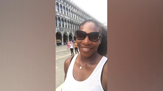 """Venezia, Serena Williams """"scambia"""" il campanile di San Marco per la torre di Raperonzolo"""