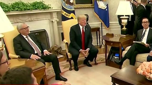 Usa, giornalista Cnn fa domande scomode e Trump la fa cacciare