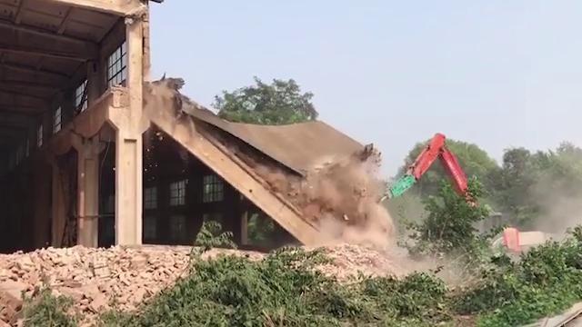 Cina, distrutto l'atelier dell'artista dissidente Ai Weiwei