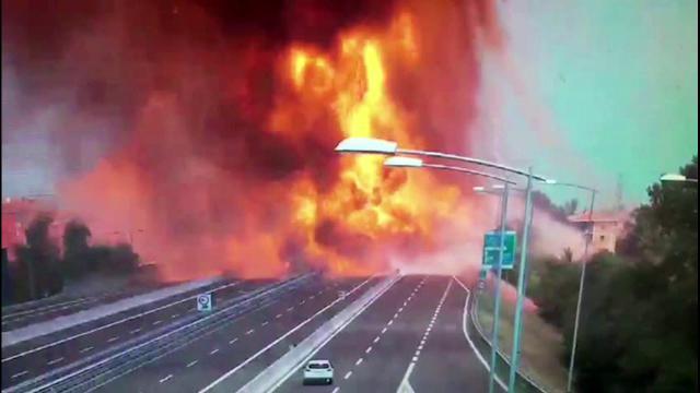 Bologna, le segnalazioni dei cittadini alla questura dopo l'esplosione sulla A14