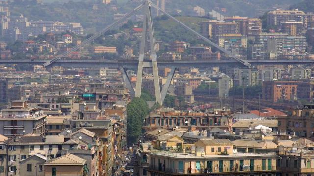 Genova, il ponte Morandi prima e dopo il crollo