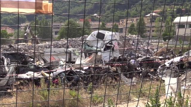 Genova, crollo ponte: lamiere e camion spostati a Bolzaneto e messi sotto sequestro