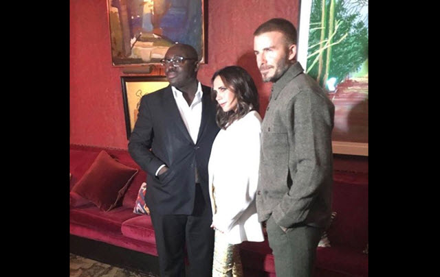"Victoria Beckham balla scatenata ""Spice Up Your Life"" al party per i dieci anni da stilista"