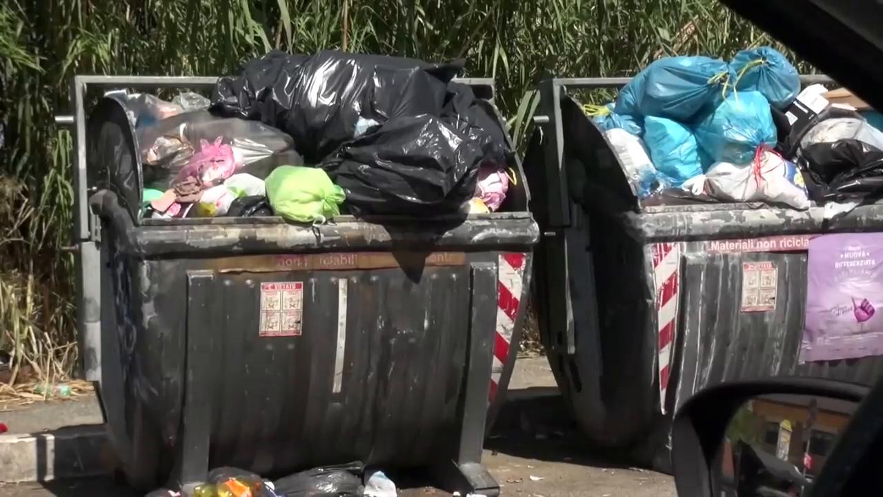 Roma caos raccolta rifiuti porta a porta nel x - Porta portese lavoro roma segretaria ...