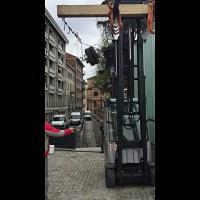 Parma, i reperti sono al sicuro: così la teca resiste all'impatto