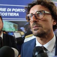 Genova, Toninelli: «Ho il decreto per il Ponte in mano. Commissario in dieci giorni»