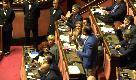 """Milleproroghe, Maiorino (M5s): """"Renzi in piazza rischia la pelle"""". Insorge il Pd, caos al Senato"""