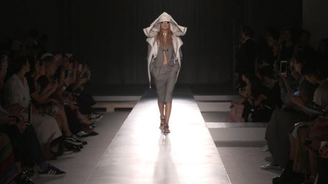 Milano Moda Donna, la sfilata primavera-estate 2019 di Sportmax