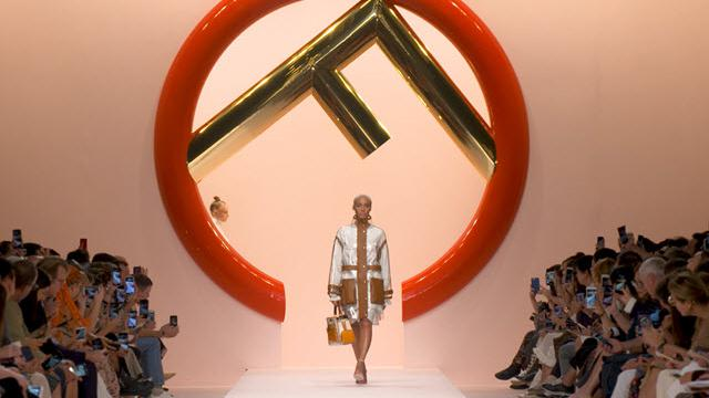 Milano Moda Donna, la sfilata primavera-estate 2019 di Fendi