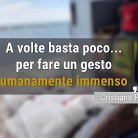 """Malato vuole vedere il mare, l'ambulanza si ferma sulla spiaggia. I lettori: """"Gesto immenso"""""""