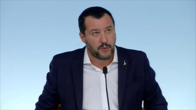 """Decreto Sicurezza, Salvini: """"Nessun rischio da stretta sugli Sprar"""". Ma per il Viminale erano un modello"""