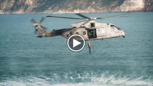 Calendario Marina Militare 2019.La Marina Militare Presenta Il Calendario 2019 La Stampa