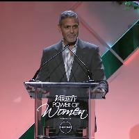 Usa, Clooney spiazza la platea di donne: ''Ciao, sono il marito di Amal''