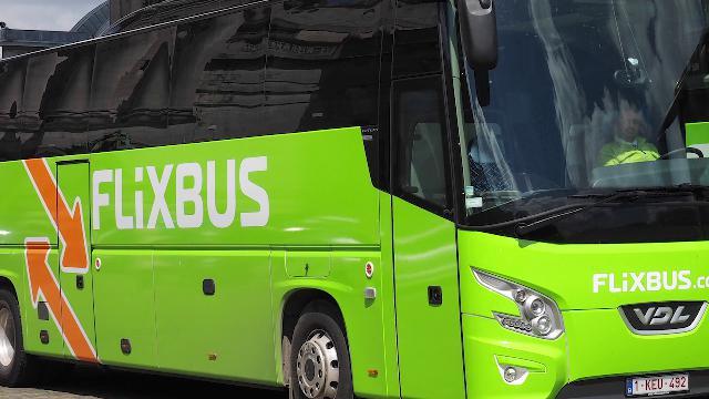 """Senegalese cacciato in fondo al bus, la testimone: """"Aveva biglietto, sembrano i tempi dell'apartheid"""""""