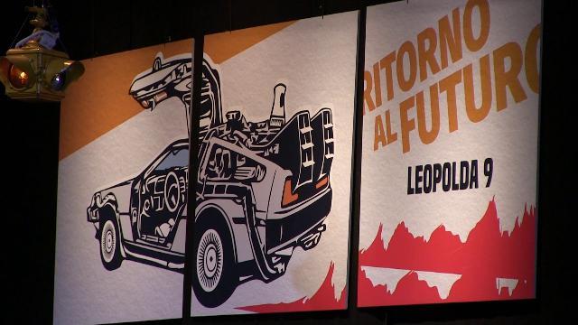 Firenze, Leopolda 9 nel segno di 'Ritorno al futuro': la mitica De Lorean sul palco