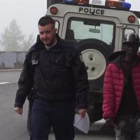 """Claviere, migrante respinto:""""Gendarmi francesi mi hanno salvato dal freddo e poi riportato in Italia"""""""