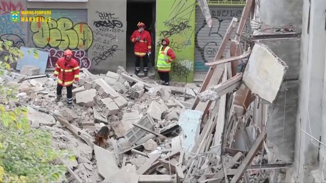 Francia, recuperato un terzo cadavere sotto le macerie a Marsiglia